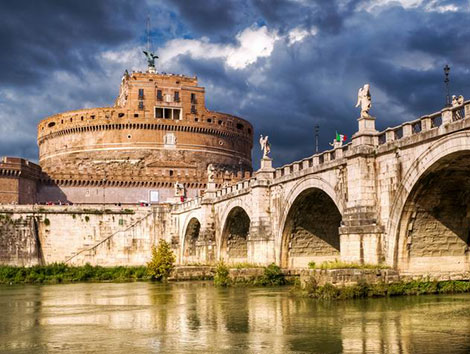 Dive in the beauty of Italy with our Regional Tour Packages