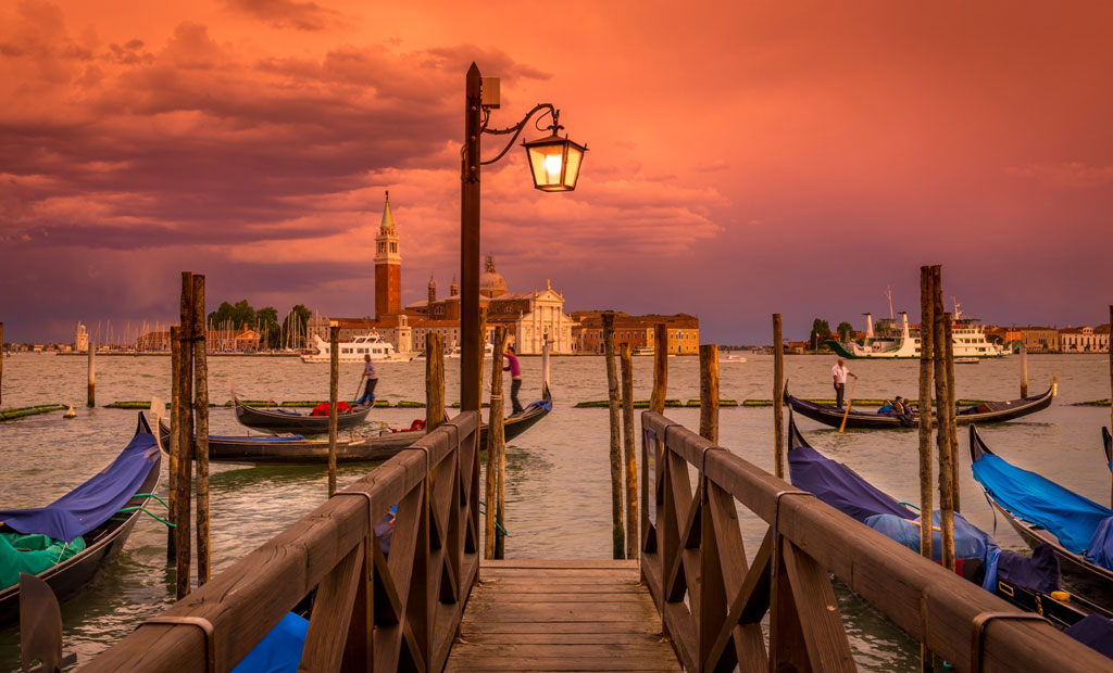 Venice Romantic Sunset Tour by Italyaffordabletours.com